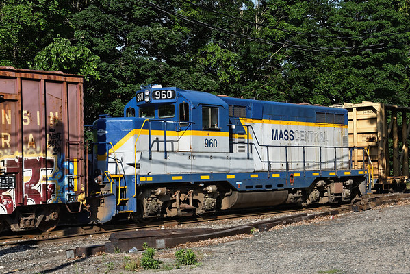 Mass Central 960 working early in the morning in the CSX yard at MP83, Palmer MA. 6/1/2012 - 598C8712dK