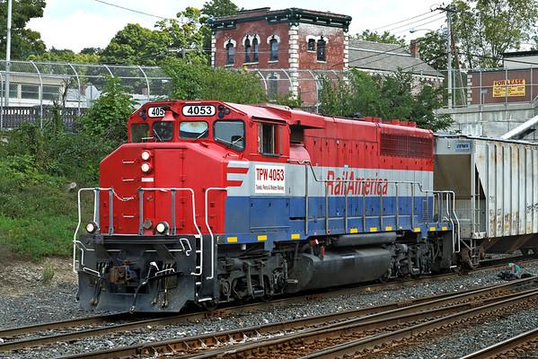 RailAmerica (TPW) 4053 switching in the CSX yard at MP83, Palmer, MA. 9/7/2012 - 598C0880dK