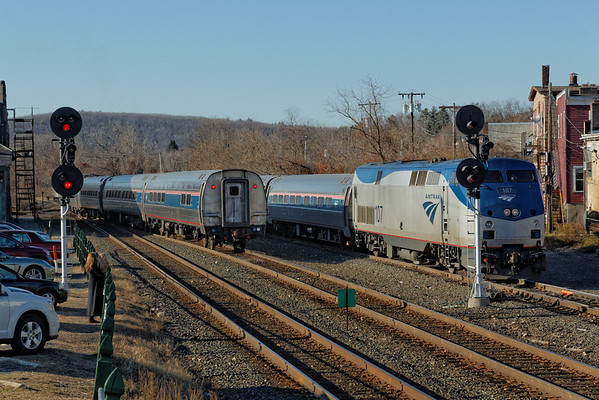 With the Vermonter STILL on the lead, Amtrak 449 heads west from the siding to the main at MP83, Palmer, MA. 11/14/2012 - 598C3817dK