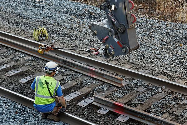 CSX track gang laying ribbon rail at MP57, Charlton, MA on the CSX Boston Line - 9/17/2012 - 598C1633dK