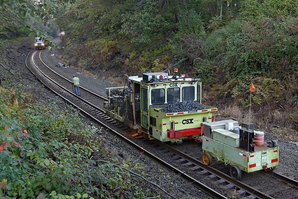 CSX track gang laying ribbon rail at MP57, Charlton, MA on the CSX Boston Line - 9/17/2012 - 598C1709dK
