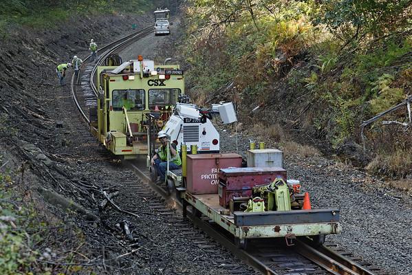 CSX track gang laying ribbon rail at MP57, Charlton, MA on the CSX Boston Line - 9/17/2012 - 598C1505dK