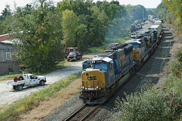 CSX track gang laying ribbon rail at MP57, Charlton, MA - Q022 was the last train through before they closed the line. 9/17/2012 - 598C1456dK