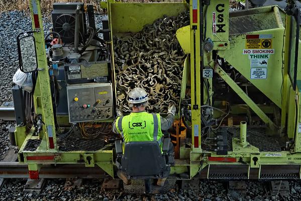 CSX track gang laying ribbon rail at MP57, Charlton, MA on the CSX Boston Line - 9/17/2012 - 598C1743dK