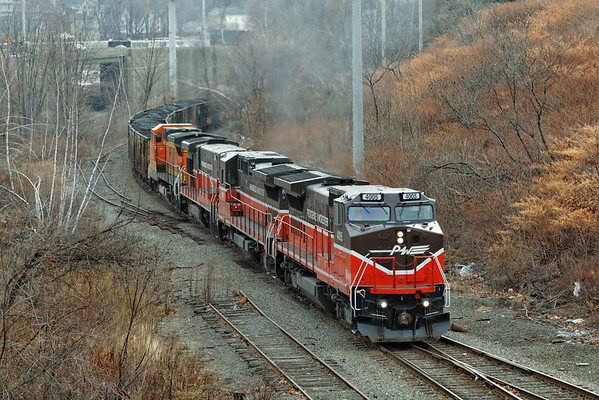 PWBO approaching the Millbrook St bridge in North Worcester. 12/7/2012 - 598C4818dK