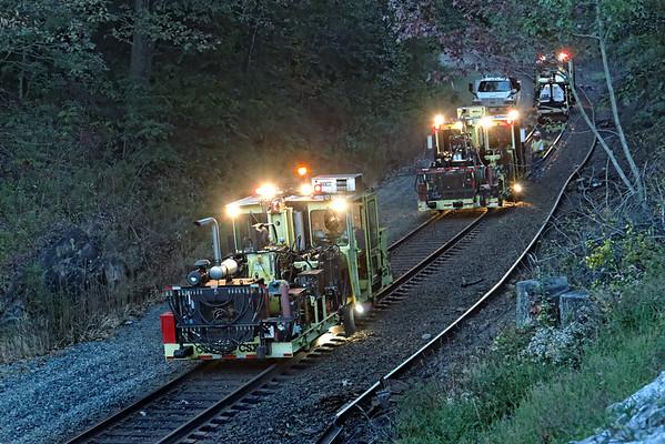 CSX track gang laying ribbon rail at MP57, Charlton, MA on the CSX Boston Line - 9/17/2012 - 598C1754dK