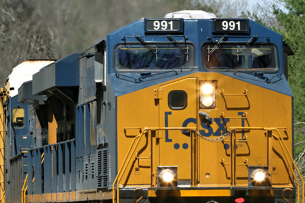 CSX train Q264 pulls through MP60, Spencer, MA with a short drag of auto racks for Worcester. 4/17/2012 - 598C7222dK