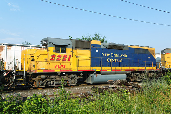 LLPX 2221, the middle unit in the NECR rainbow consist in the Palmer, MA yards. 6/22/2012 - 598C9479dK