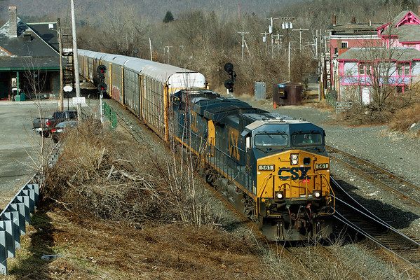 Eastbound CSX train Q264 pulls through MP83, Palmer, MA with a long drag of auto racks for East Brookfield and Worcester. 1/31/12 - IMG_5687dK