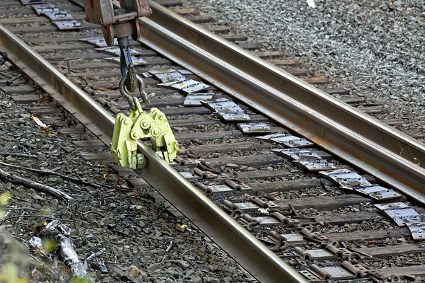 CSX track gang laying ribbon rail at MP57, Charlton, MA on the CSX Boston Line - 9/17/2012 - 598C1592dK