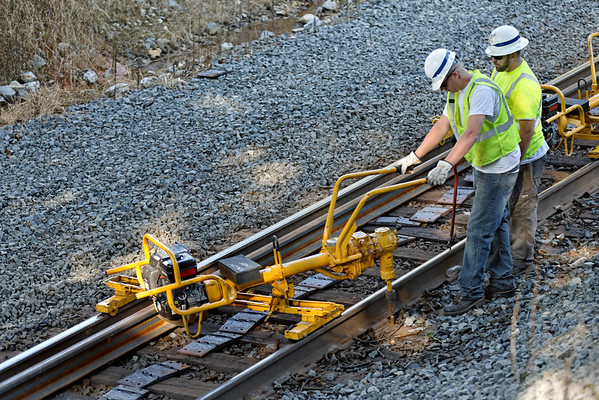 CSX track gang laying ribbon rail at MP57, Charlton, MA on the CSX Boston Line - 9/17/2012 - 598C1524dK