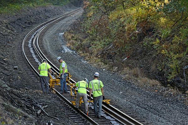 CSX track gang laying ribbon rail at MP57, Charlton, MA on the CSX Boston Line - 9/17/2012 - 598C1529dK