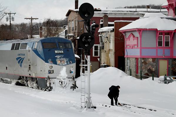 """Modern Railroading"" - Amtrak's ""Vermonter"" southbound into Palmer, MA - 11-01-21 - IMG_0902dK"