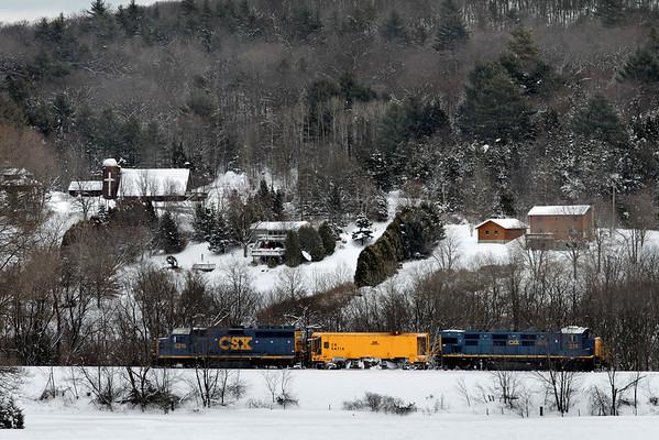 CSX - How Tomorrow Moves...Snow. Brimfield, MA - 11-01-27 - IMG_0995dK
