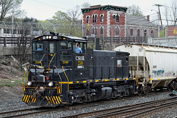 NECR's little CSOR switcher working in the CSX yard in Palmer, MA, 4-27-2011 - IMG_3669dK