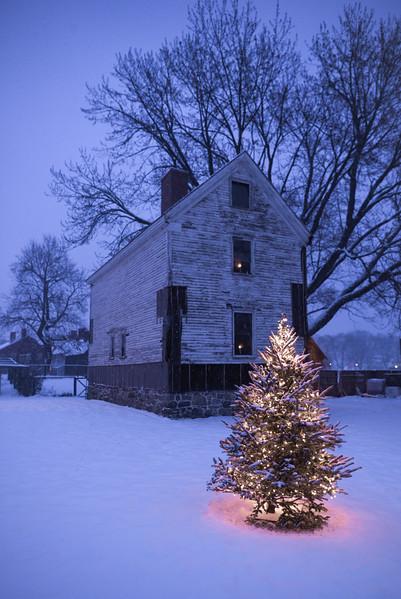 Yeaton-Walsh House Christmas, Strawbery Banke - Christmas 2017