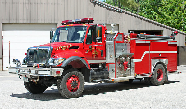 Engine 2 2004 International / E-One 1250 / 1000