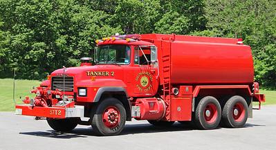 Tanker 2.  2000 Mack R / Teck Weld / Gilbert.  1000 / 2700