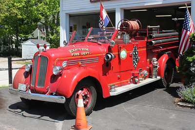 RETIRED  Engine 2 1947 Seagrave