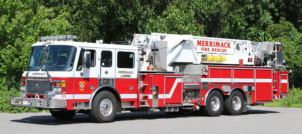 Ladder 1   2002 American LaFrance Eagle / LTI.  2000 / 300.  93' Tower