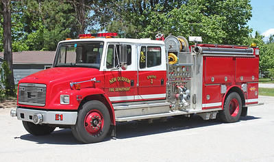 Engine 1 1995 Freightliner / Valley 1250 / 1000