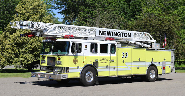 Retired   Ladder 33   1999 Seagrave   100' RM