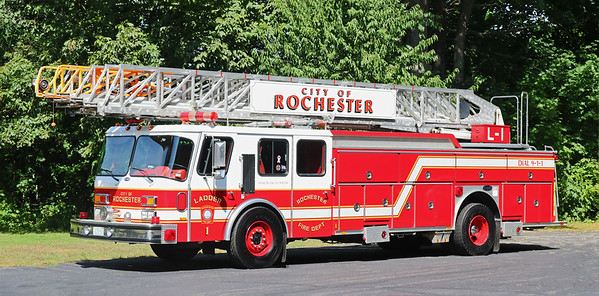 Ladder 1.  1992 E-One Hurricane.  110' RM
