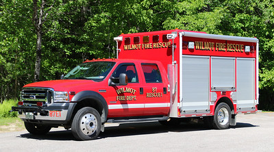 Rescue 1.  2006 Ford F-550 / Valley