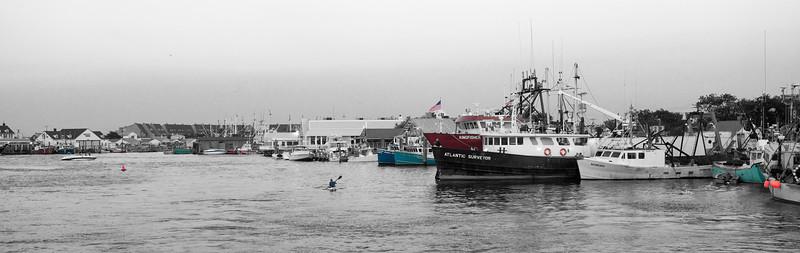 Pt Beach Trawlers & Flags BW 2 12x38 DSC_8076