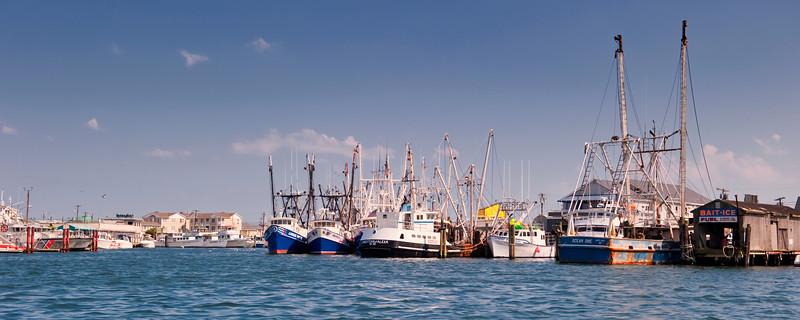 Pt Beach Trawlers pano 12x30 DSC8114 2