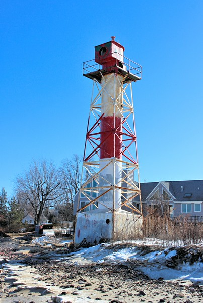 In 1923 the Lighthouse Board decided to deactivate the Chapel Hill Range Lights and replaced them with gas-lighted buoys to mark the channel.  However, captains complained that the buoys were insufficient and the range lights were relit four months later.