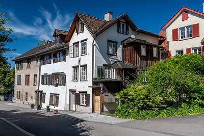 An old house in Zürich that seems to have no right angles.