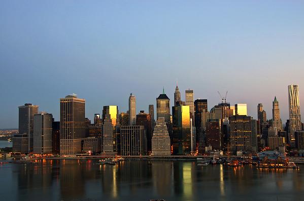 Sunrise Over Manhattan (13 Photographs)