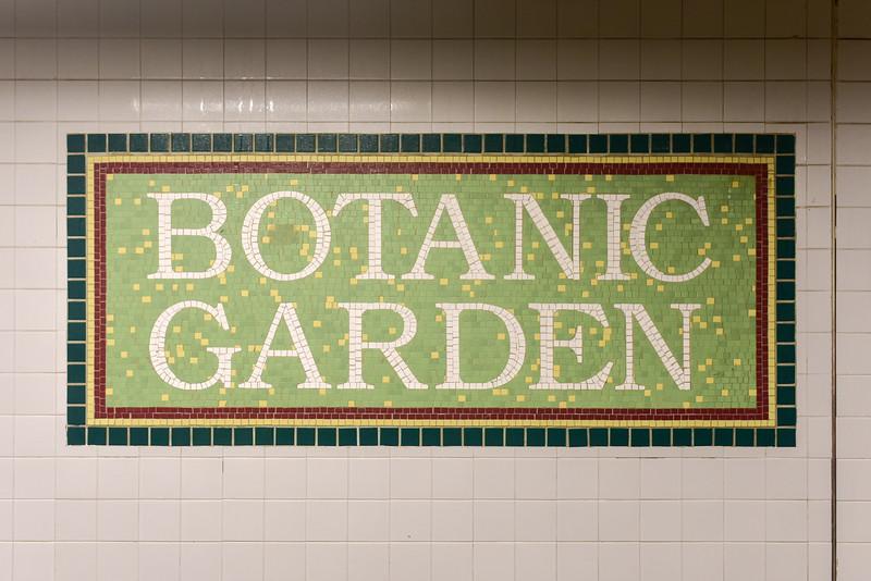 Botanic Garden Subway Stop