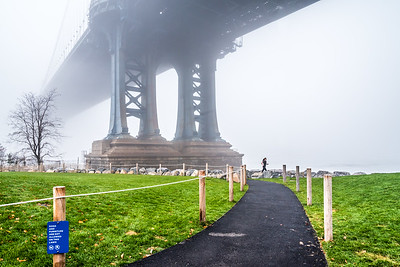 Foggy day under the Manhattan Bridge