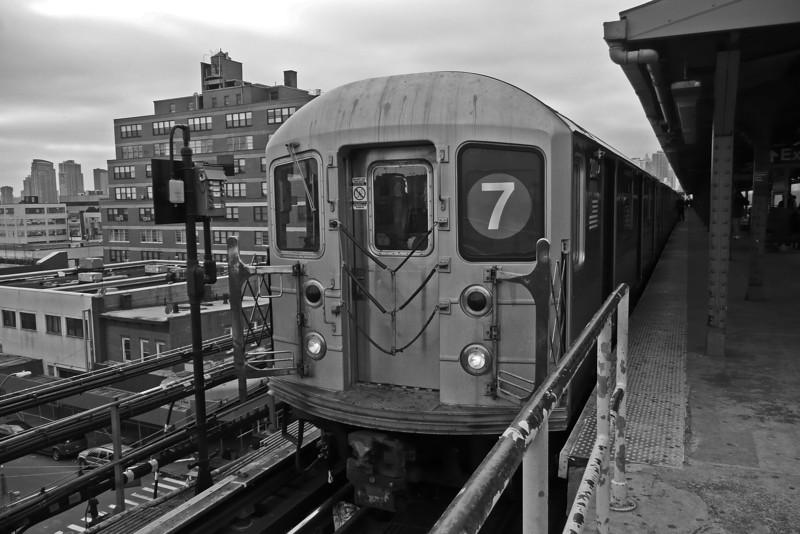 The 7 train at Queensboro Plaza - Long Island City - Queens - 2008
