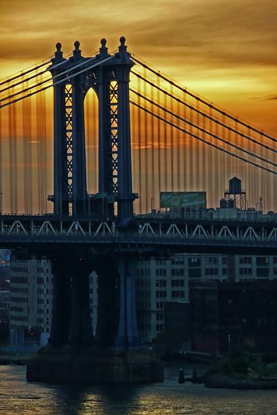 Manhattan Bridge and Brooklyn at sunrise - 2008