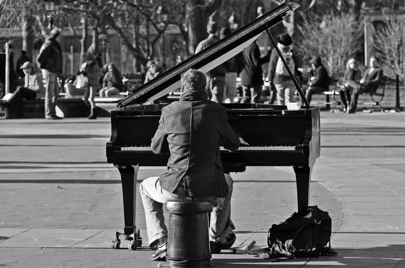 Street performer at Washington Square Park - Greenwich Village - 2011