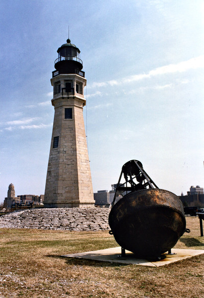 On March 3, 1805 Congress designated the village of Buffalo as a US Port of Entry recognizing its importance as the gateway to the Great Lakes.  In 1811 the New York Legislature proposed obtaining land to build a lighthouse at Buffalo; however the outbreak of the War of 1812 delayed this plan.