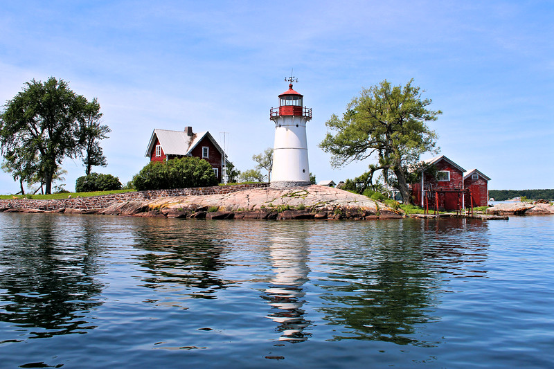 It took until March 1847 for Congress to act upon the request for St. Lawrence River beacons.  $6,000 in funding was finally appropriated to build three lighthouses in the 1,000 Islands region, one at Rock Island off Fishers Landing, one at Sunken Rock near Alexandria and the westernmost one at Crossover Island.