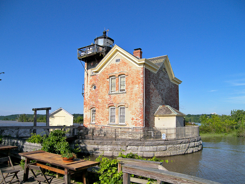 In 1834 Congress appropriated $5,000 to build a lighthouse at the northern side of the mouth of the Esopus Creek to guide shipping to the port of Saugerties.  A contract was awarded to a local mason Charles Hooster for a bid of $2,988 to build the light.