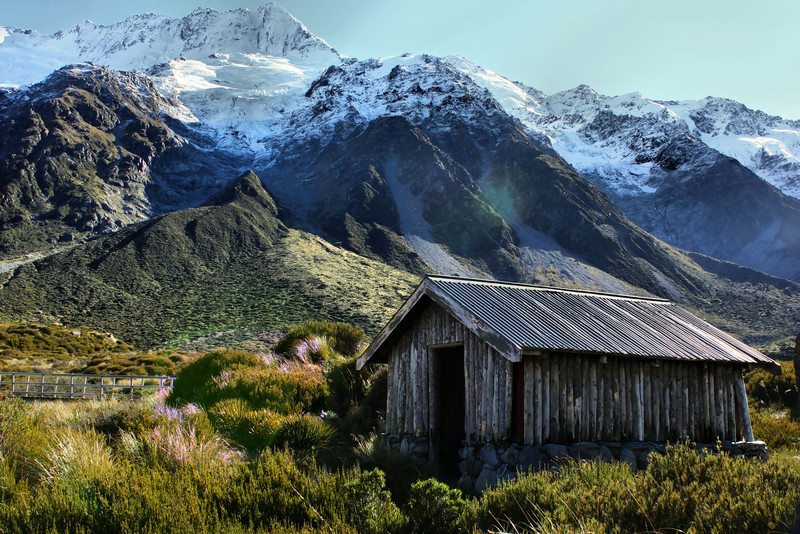 A shelter for weary hikers in Aoraki / Mt. Cook National Park along the Hooker Valley Trail, New Zealand.
