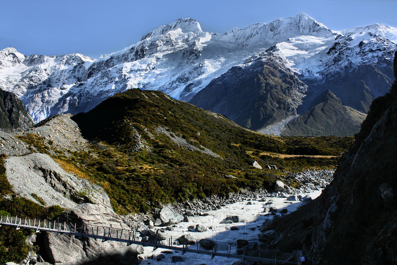 The second swing bridge along the Hooker Valley Trail in Aoraki/Mt. Cook National Park, New Zealand.