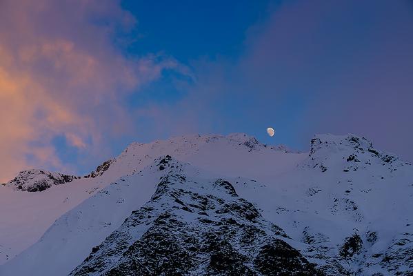 Dawn Meets Moon