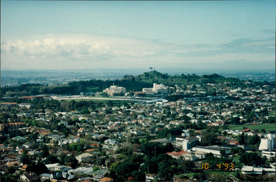 Auckland: view from Mt. Eden - city sights