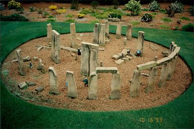 Canberra: Cockington Green - Stonehenge