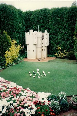 Canberra: Cockington Green - castle