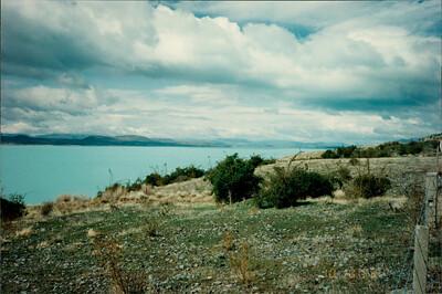 Mt. Cook: lake at base