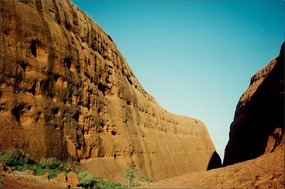 Ayers Rock: toured base of Kata Tjuta
