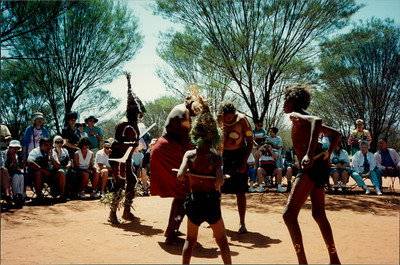 Alice Springs: Dreamtime and Bushtucker Tour - Aboriginals performing ceremony
